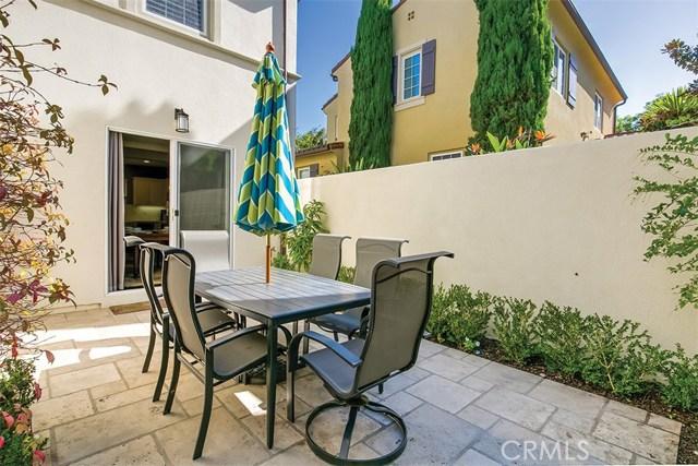 40 Gardenpath, Irvine CA: http://media.crmls.org/medias/d8f0dd9a-8394-49c1-9f65-a14f6ba1c581.jpg