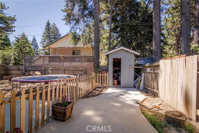 31187 All View Drive, Running Springs CA: http://media.crmls.org/medias/d91375ba-9fe8-4773-a9ca-087028936610.jpg