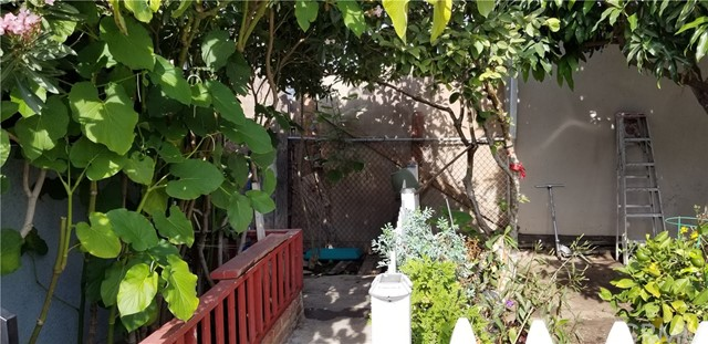 10609 San Pedro St., Los Angeles, CA 90003 Photo 10