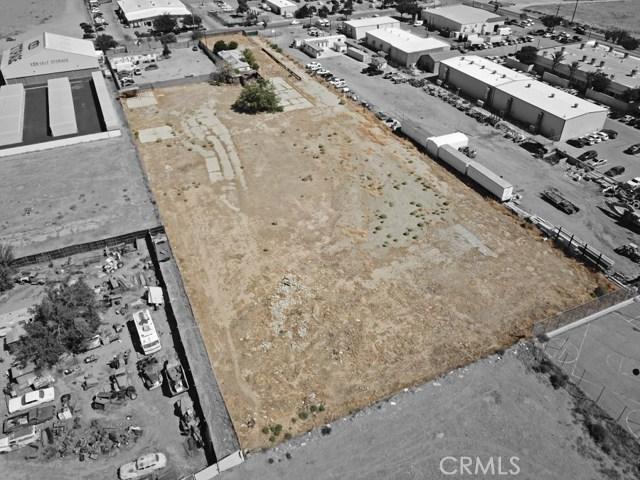 916 E Avenue P8, Palmdale CA: http://media.crmls.org/medias/d92340da-f1e9-42bc-9191-1de538ef5117.jpg