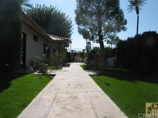 Photo of home for sale at 241 San Remo, Palm Desert CA