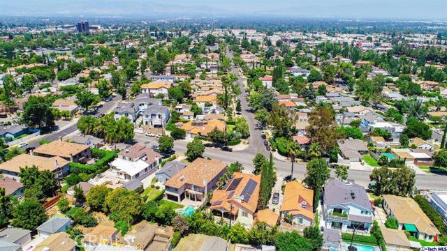 18038 Valley Vista Boulevard, Encino CA: http://media.crmls.org/medias/d93a661d-cc05-4667-b933-c80f11a829b0.jpg