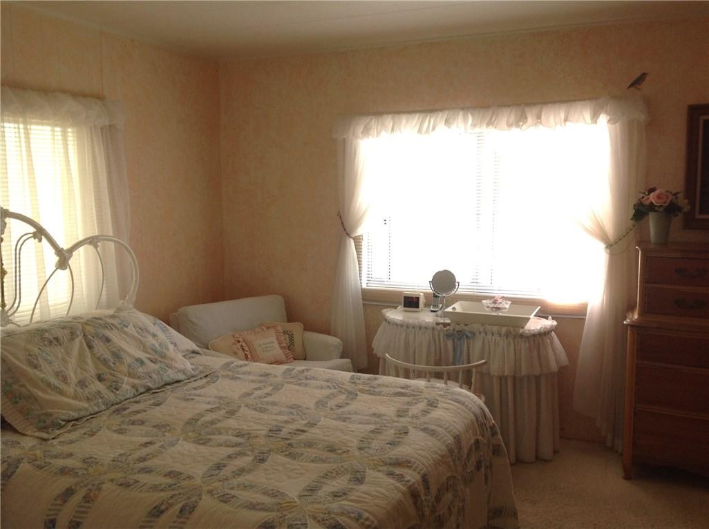 5244 Royal Oaks Drive, Oroville CA: http://media.crmls.org/medias/d93d68cd-cad2-4d76-8a73-a757e7f585f1.jpg