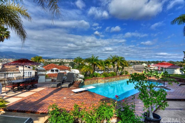 Single Family Home for Sale at 27581 Tres Vistas Mission Viejo, California 92692 United States