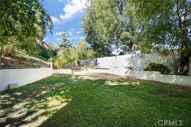 24365 Clipstone, Woodland Hills, CA 91367