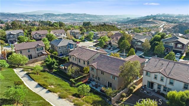 28012 Linda Lane, Saugus CA: http://media.crmls.org/medias/d944c3f5-98d5-4114-bf92-bb27c6fe8fd4.jpg