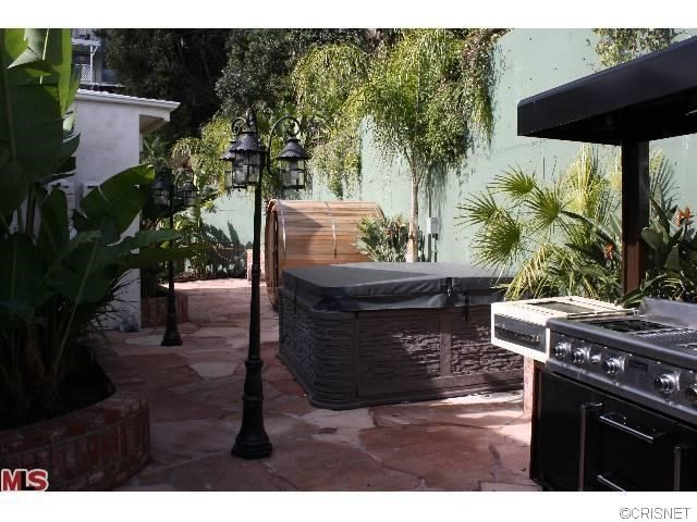 3235 Hillock Drive Hollywood Hills, CA 90068 - MLS #: BB17131936