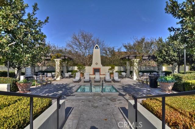 55 Canopy, Irvine CA: http://media.crmls.org/medias/d9688834-2a18-4fc6-bbe4-6f0670e5d50b.jpg