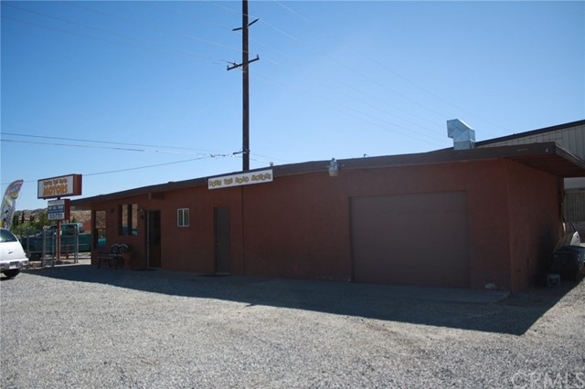 49896 29 PALMS Highway, Morongo Valley CA: http://media.crmls.org/medias/d976361a-8276-4bb3-b96d-767889c6e517.jpg