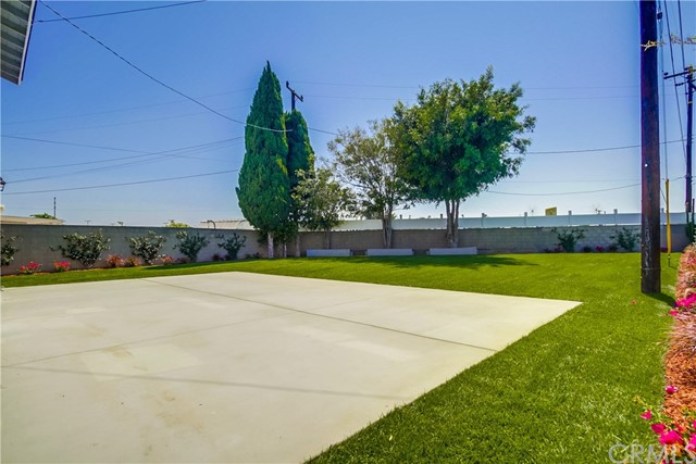 21901 Acarus Avenue, Carson CA: http://media.crmls.org/medias/d97bfc45-3667-49a1-89cd-81a45cd9c9c3.jpg