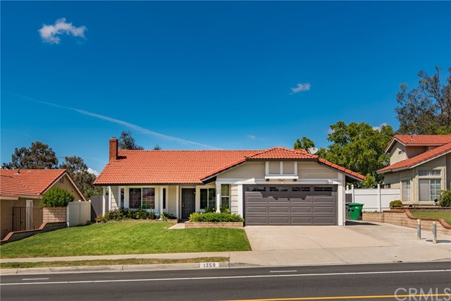 1359 Cresta Road Corona, CA 92879 is listed for sale as MLS Listing CV17084652