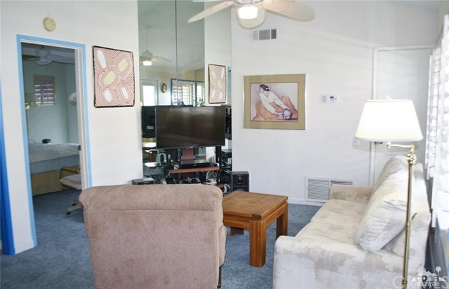 351 Hermosa Drive, Palm Springs CA: http://media.crmls.org/medias/d993e0d9-142c-49d7-a678-9fdfe336ca8a.jpg