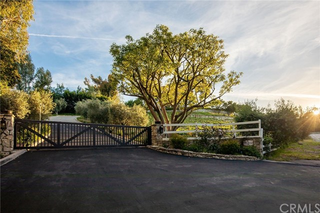 Photo of 30 Portuguese Bend Road, Rolling Hills, CA 90274