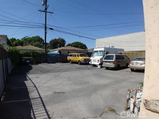 3288 Tweedy Boulevard, South Gate CA: http://media.crmls.org/medias/d9a50830-a658-47b2-931b-f17292a88f12.jpg