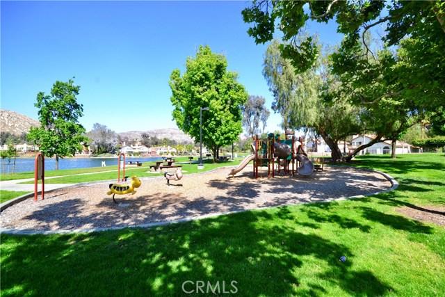 10205 Canyon Vista Road, Moreno Valley CA: http://media.crmls.org/medias/d9ac485d-bc1a-4098-a586-a7c7d5c75711.jpg