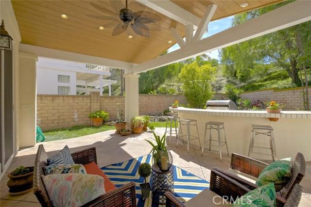 32 Regalo Drive, Mission Viejo CA: http://media.crmls.org/medias/d9b12fa6-28d3-469d-8faa-77464563da5b.jpg