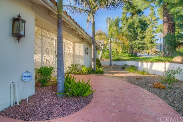 2589 N Mountain Avenue Claremont, CA 91711 is listed for sale as MLS Listing CV16057320