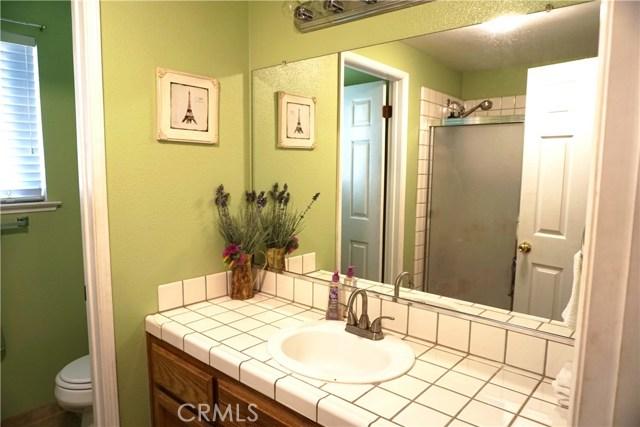 5467 N Delbert Avenue, Fresno CA: http://media.crmls.org/medias/d9efc461-20fb-41b4-9a56-e4fa99645b90.jpg
