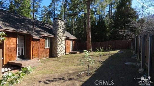 54085 Circle Drive, Idyllwild CA: http://media.crmls.org/medias/d9f4da2d-82a9-486f-8b28-0b087060011c.jpg