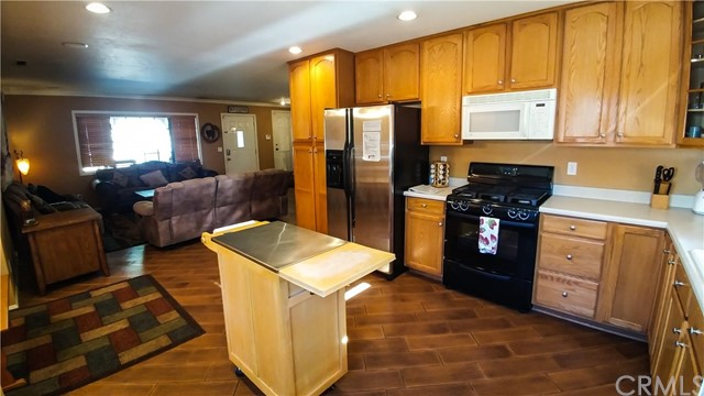 344 Montclair Drive Big Bear, CA 92314 - MLS #: EV17187709