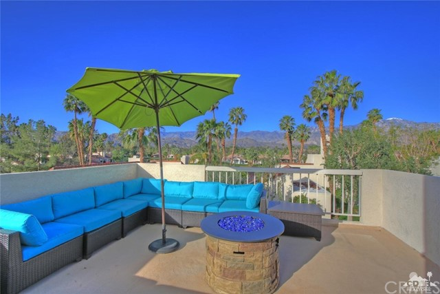 449 Sunningdale Drive Rancho Mirage, CA 92270 is listed for sale as MLS Listing 217008372DA