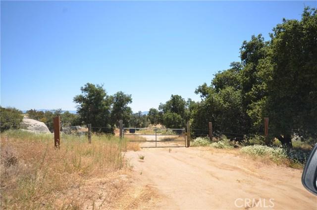 35052 Hobbiton Road, Sage CA: http://media.crmls.org/medias/da2afc4d-5e40-4652-a130-751efd317880.jpg