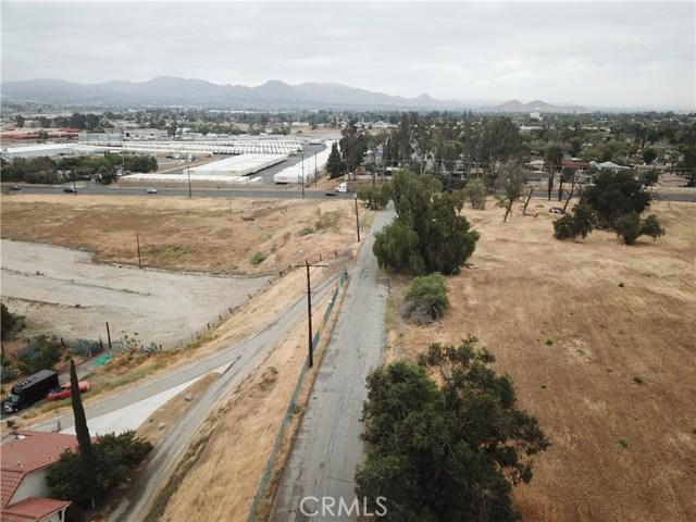 2226 Foothill Boulevard, San Bernardino CA: http://media.crmls.org/medias/da2d96cb-fe96-4b8c-9290-6b01fd85592e.jpg
