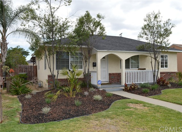10232   Foster Road , BELLFLOWER