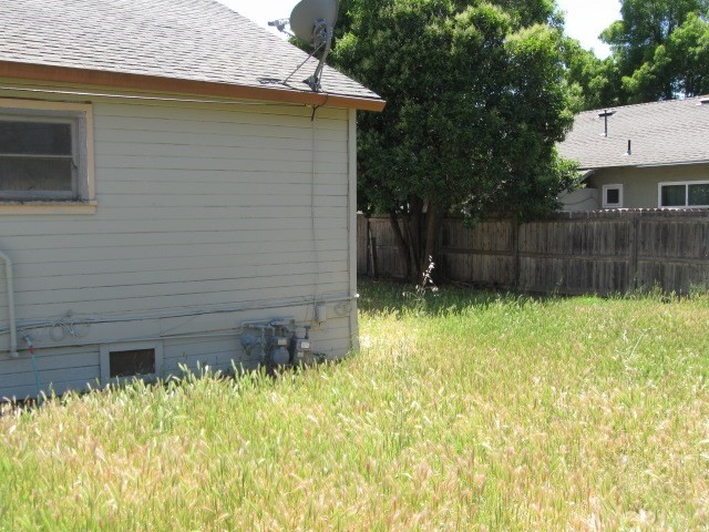 523 E Wood Street, Willows CA: http://media.crmls.org/medias/da432ba3-3ad5-4817-8d57-708a0e6a7fdb.jpg