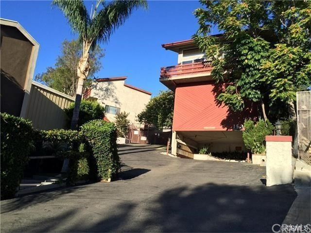 Townhouse for Sale at 1523 Windsor Road E Glendale, California 91205 United States