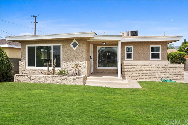 1086 W 10th Street, San Bernardino CA: http://media.crmls.org/medias/da6f31cd-6232-40ff-a122-17b3b93bd175.jpg