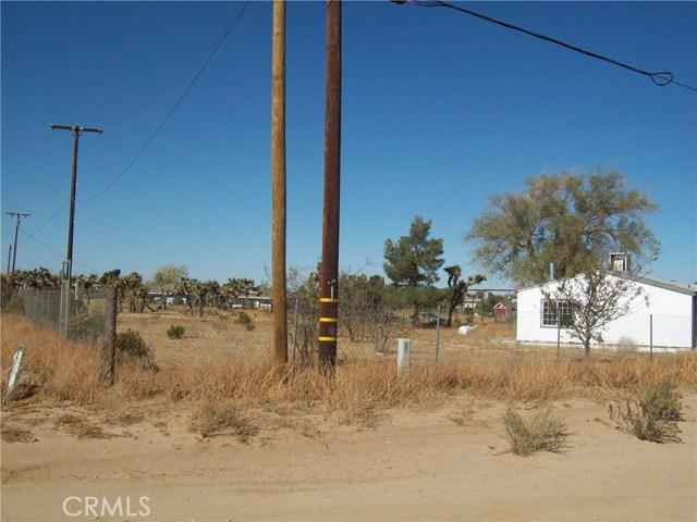 11232 Anderson Ranch Road, Phelan CA: http://media.crmls.org/medias/da884d75-1207-4a5c-b330-5236b04f1ddc.jpg