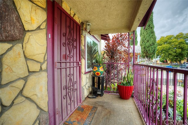 1540 W 69th St, Los Angeles, CA 90047 Photo 3