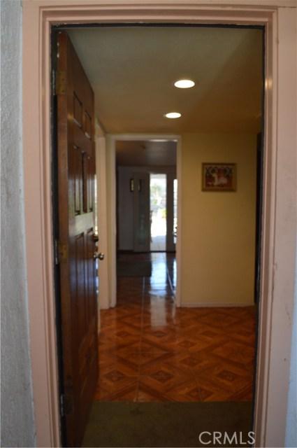 25474 Gentian Avenue, Moreno Valley CA: http://media.crmls.org/medias/da8eef7f-73aa-4d93-9b3b-a91bdee1447c.jpg