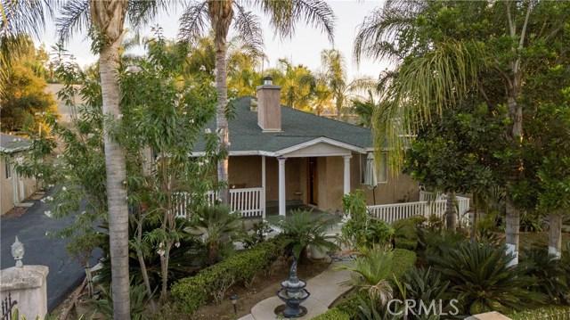 1625 Gum Tree Lane, Fallbrook CA: http://media.crmls.org/medias/da9269c3-46b4-4768-8e3a-2d5b955dbd27.jpg