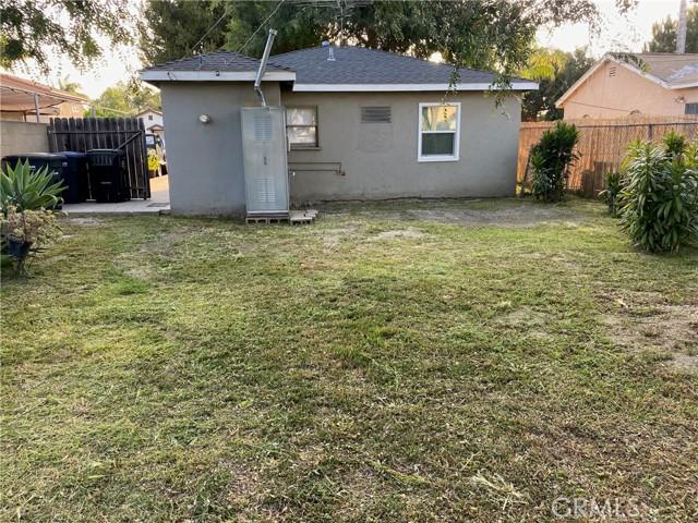 18416 Horst Avenue, Artesia CA: http://media.crmls.org/medias/da93b293-d9bf-4d6f-966f-70c5d8101557.jpg