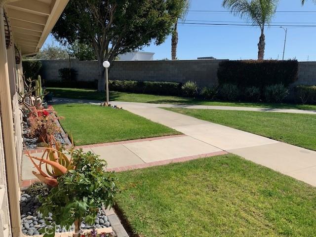 13820 Annandale, Seal Beach CA: http://media.crmls.org/medias/da949a28-44ac-403a-8109-82ef6911098e.jpg