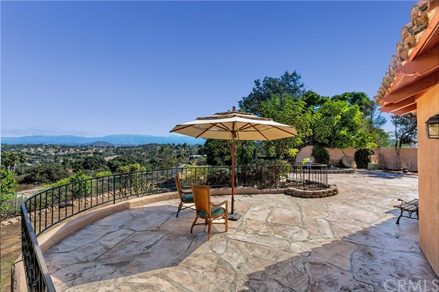 27434 Mountain Meadow Road Escondido, CA 92026 - MLS #: SW17216638