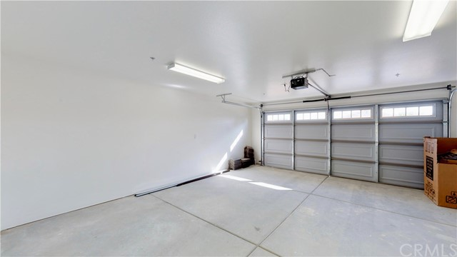 13901 Driftwood Drive, Victorville CA: http://media.crmls.org/medias/daa32daa-a5d8-4b0d-bf3f-ea61bfbe5f4f.jpg