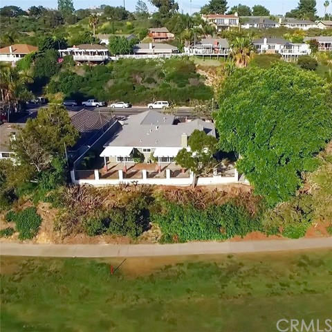 417 Avenida Vaquero San Clemente, CA 92672 is listed for sale as MLS Listing OC17100078