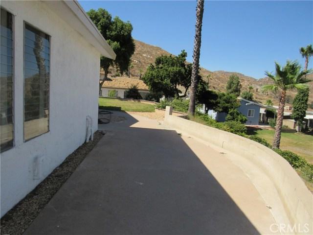 32600 Highway 74 Space #79, Hemet CA: http://media.crmls.org/medias/daa7571d-a275-49fd-b602-30c86f70f8fc.jpg