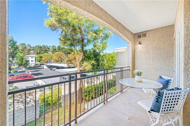 22681 Oakgrove, Aliso Viejo CA: http://media.crmls.org/medias/dabebdc7-843e-4d94-877f-ce39360387bb.jpg