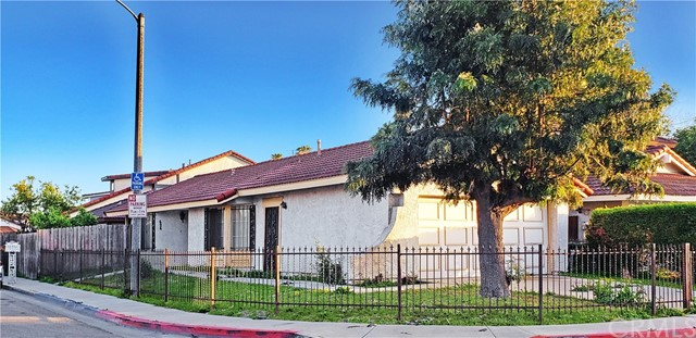 Detail Gallery Image 1 of 19 For 624 W Indigo St, Compton,  CA 90220 - 2 Beds | 1 Baths