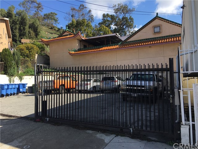 1301 N Broadway, Los Angeles, CA 90012 Photo 2