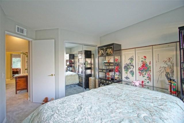 13204 Setting Sun Court, Chino Hills CA: http://media.crmls.org/medias/dad321bd-7832-492a-a868-c38fb27d16b8.jpg