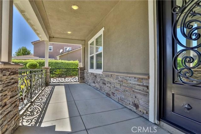 14912 Franklin Lane, Eastvale CA: http://media.crmls.org/medias/dad45edb-16ef-4847-9371-993547327da3.jpg