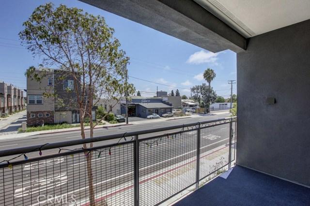 2021 Placentia Avenue, Costa Mesa CA: http://media.crmls.org/medias/dad4894f-88c3-4762-a312-c37ebfad29f9.jpg