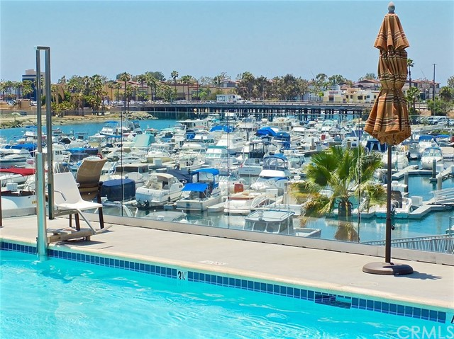 305 N Jade Cove, Long Beach CA: http://media.crmls.org/medias/dadd218a-6272-48ec-89ac-847a8541c045.jpg