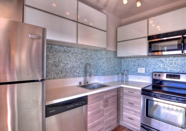 999 N Doheny Drive Unit 1011 West Hollywood, CA 90069 - MLS #: SB18049410