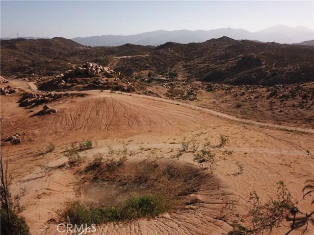 25050 El Toro Road, Perris CA: http://media.crmls.org/medias/daec37ba-1221-48d9-9cae-cb6db5b4c322.jpg